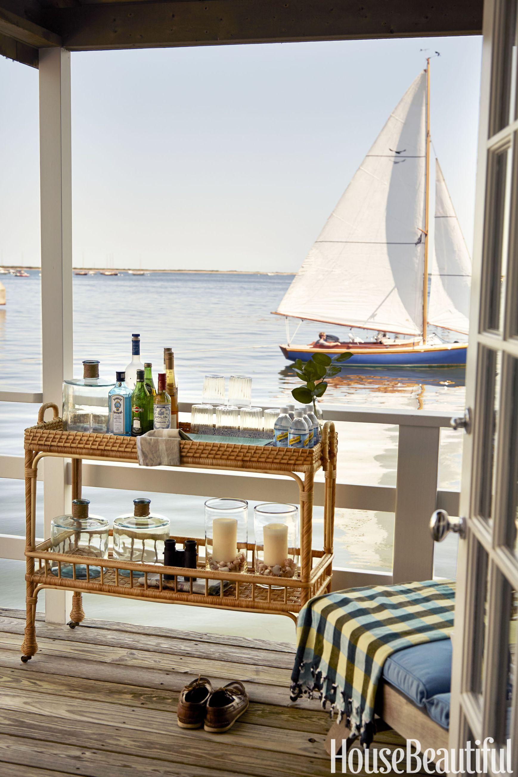 1437419288-nautical-window